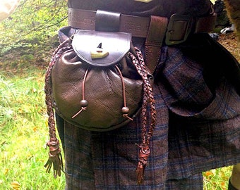 Traditional Rob Roy style leather sporran