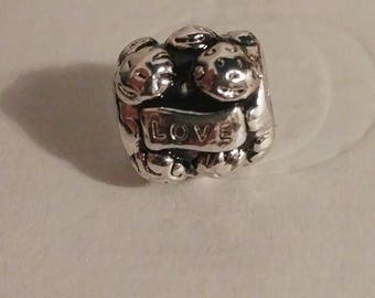 Pandora Love an Family Sterling Silver Charm/New/Fully Stamped/Ale/s925/Threaded Core