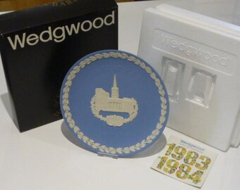 Wedgwood Christmas 1983 All Souls Langham Place London Blue Jasperware Plate Boxed