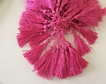 Tassel length 5 cm about color dark pink
