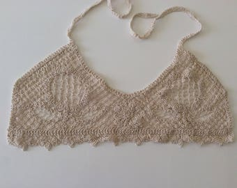 Bustier has sew on a blouse for l enrich with this lace