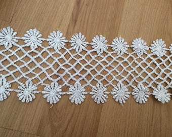 White guipure lace 8 centimeters in width