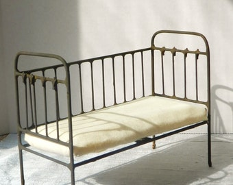 """Artisan Made Dollhouse Miniature Wrought Iron Look Daybed  """"French Campaign"""", 1:12 Scale, Half Scale"""
