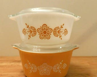 PYREX Butterfly Gold pattern 1960s casserole dishes with lids SHIPPING INCLUDED
