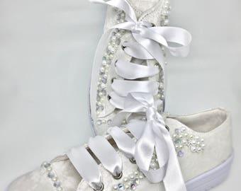 Bridal shoes, bridal tennis shoes, wedding shoes, wedding tennis shoes, sneakers lace shoes, pearl shoes, first communion shoes