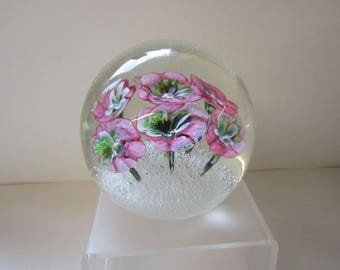 Bouquet of flowers paperweight