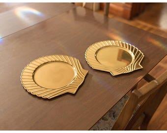 Brass Shell Dinner Plate Chargers | Beach Wedding Dinner Decor | Destination Wedding Decor | Wedding Chargers