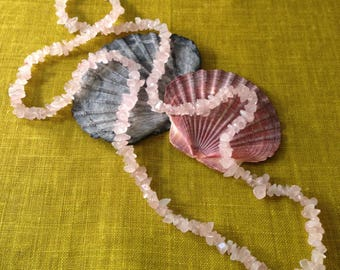 Vintage rose quartz chip necklace
