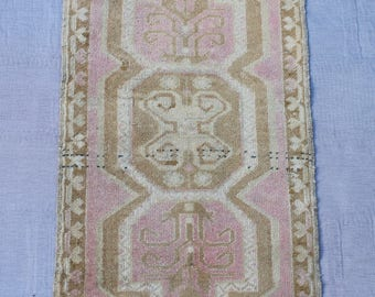 "MS-48 Turkish Handmade Oushak Small Vintage, Wool Rug..The size is 101 x 49 3' 3'' x 1' 6"" ft.. Shipping included.."