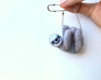 Sloth, Handmade Brooch, Sloth jewelry, Felt jewelry,Felted Toy, Wool felt jewelry, Felted sloth,Wool Accessories,Miniature,Cute sloth,Brooch