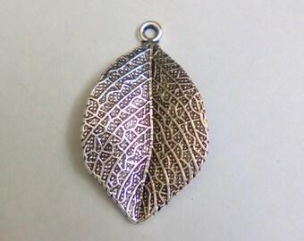 2 charms silver leaf 33x19mm