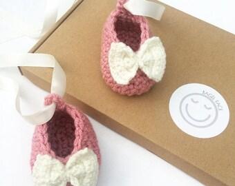 Crochet baby girl shoes, pink crochet booties, ballerina shoes, baby shower gift, gender reveal, new baby gift, baby girl gift, photo prop