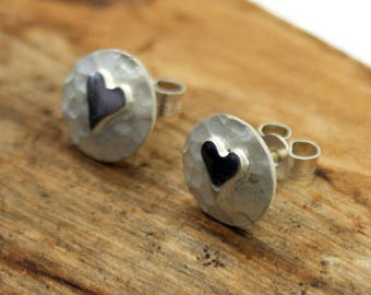 Sterling Silver Planished Stud Earrings With Polished Heart (YE001)