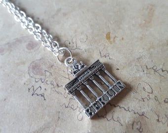 Brandenburg Gate chain ~ silver ~