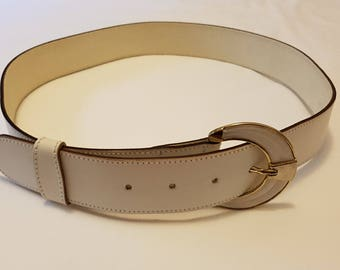 Vintage 70s / White / Genuine Leather / Wide Belt / Size Medium / Made in Italy