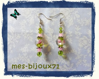 Pendant earrings olive green and light pink - mi long earrings - glass beads