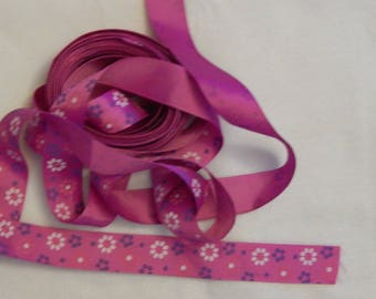 PURPLE/PINK WITH FLOWERS RIBBON
