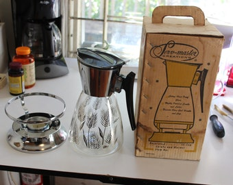 Vintage Serv Master 12 Cup Coffee Carafe and Warmer