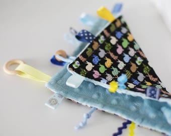 Taggie Blanket/Crinkle Toy/Crinkle Sound/Taggie Blanket/Bunny/Teether/Sensory Baby Toy/Montessori/Montessori Baby Toys/Busy Blanket