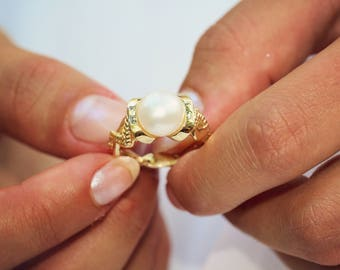 Pearl Ring, Delicate Round White Pearl, 14K Gold Zig Zag Band Setting, Bridesmaid Gift Her, Engagement, Anniversary, Birthday, All Occasion
