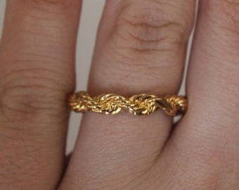 Gold Toned Spiral Ring Size 6 3/4 Vintage Costume Jewelry