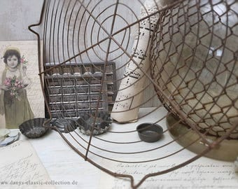 Vintage FIL de FER cooling grid Ø 30 cm tarte grid Antique wire rack Brocante Shabby chic Kitchenalia Cottage kitchen