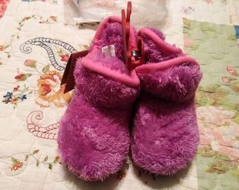 Dearfoam Little Girls Slippers New 9/10