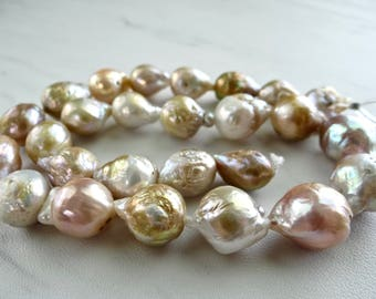 Creamy Beige, mauve and gold baroque freshwater pearls/13x10-17x11mm/7.5 inch strand