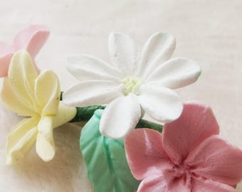 Porcelain Flower bobby pin. Small Handmade wedding hair clip. 7 cm approx. Bridemaid. Girl hand made flower hairclip. spring bobby pin