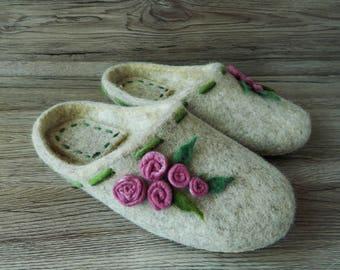 Felted slippers for women Women's slippers with roses Handmade slippers House shoes Felt slippers Women's Day Gift for her Wool slippers