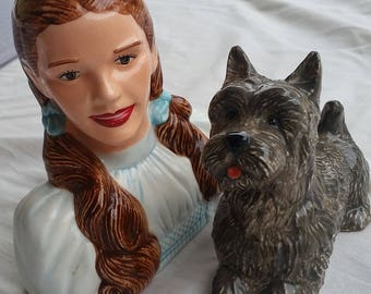Wizard of Oz - Salt/Pepper shaker set - Dorothy and Toto!  SO CUTE!