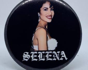 La Reina 2.25 Pin Back Button