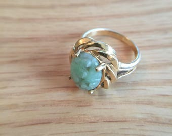 14k carved jade vintage ring