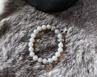 Beads Bracelet with charms elastic. With own brand ' passion '. Ibiza style. Mother of Pearl/gray.
