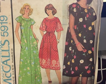 Vintage McCall's pattern 5919 - misses' dress or muumuu - uncut - size small
