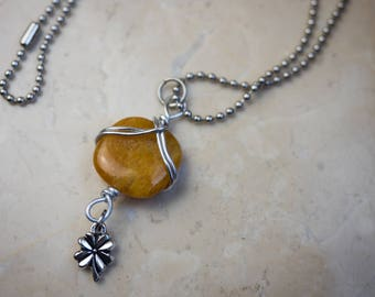Wire Necklace with yellow quartz