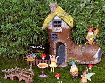 Boot House Fairy Garden Kit - Fairy Garden Ideas, Fairy Garden Kit, Fairy House, Fairy Garden, Elf Garden Ideas, Gnome Garden, Fairy House