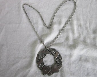 Vintage Pewter Crafters of Cape Cod Christmas Wreath Large Pendant & Necklace