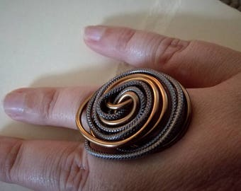 ring grey and brown gold aluminum wire