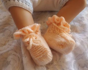 Wool BOOTIES hand knitted 0/1 month