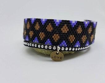 Bracelet weaved in blue and black miyuki beads