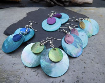 Layered disc earrings, made of shiny shell in contrasting turquoise blue and pink/green/blue/purple/peach.