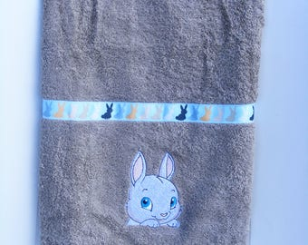 towel embroidered for baby, child sponge oeko tex 100 (the name embroidery available)