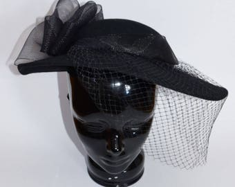 SALE! GORGEOUS Black Wool Fascinator Hat with Bow, Netting and Pearl Pin, Vintage Hat, Derby Hat