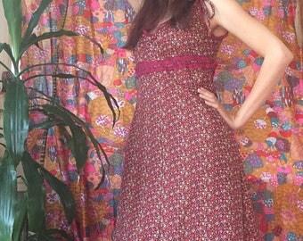 Calico Ditsy Daisy Autumnal Maxi Dress with Bow 70s Prairie Size Medium