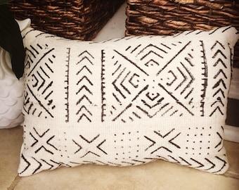 Mud cloth Tribal pillow, boho pillow, home decor, decprative pillow, bohemian pillow, throw pillow, black white pillow, monochrome pillow