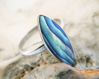 Vintage Sterling Silver and New Zealand Paua Shell Ring, Mid Century Abalone and Sterling Silver Ring Size 5, New Zealand