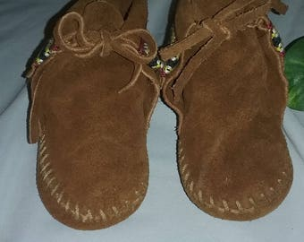 Vintage Minnetonka Moccasins - Baby Moccasins - Size  3-4 Leather Baby Booties