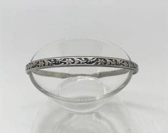 Beautiful and Delicate Sterling Silver Bangle with Floral Pattern