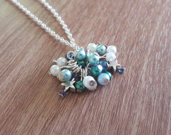 Beads and stars necklace
